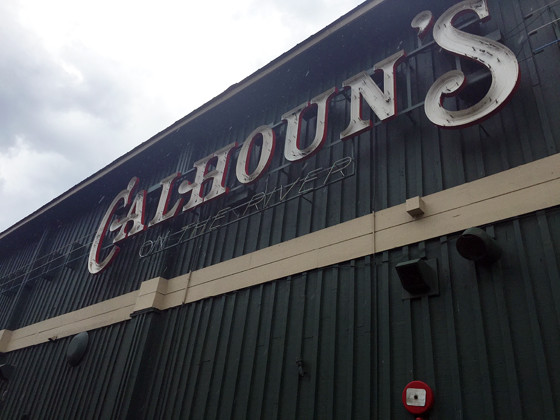 Calhoun's in Knoxville Tennessee // Pet Friendly // Ammo the Dachshund